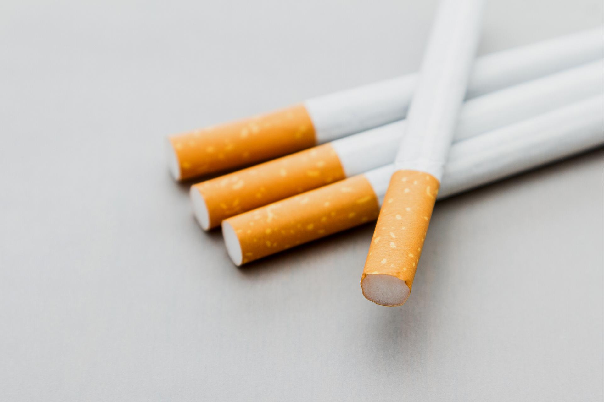 ¿Cómo afecta el tabaco a los dientes?